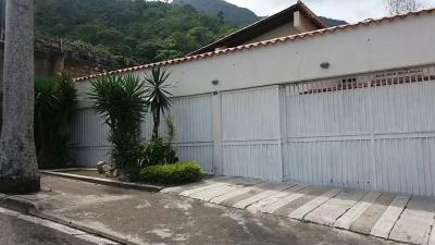 Casa en Urb Centro Residencial el Castaño