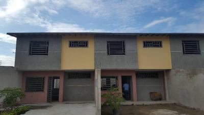Townhouse Av Aragua Urb. Privada