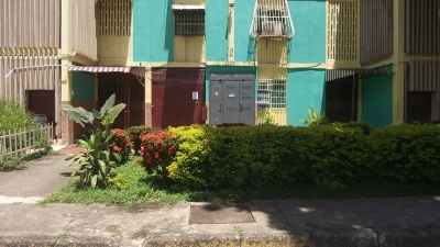 Se Vende Apartamento en Urbanizacion Los Naranjos, Palo Negro 77m2