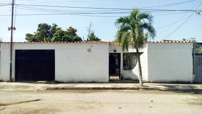 Venta de casa en Maracay Edo. Aragua Urb. Palma Real
