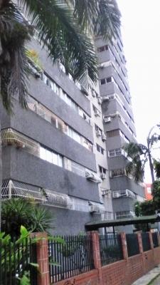 ABITARE Vende apartamento en Residencias Luis XV en la Urbanización Base Aragua de Maracay WILLIAM ALVAREZ