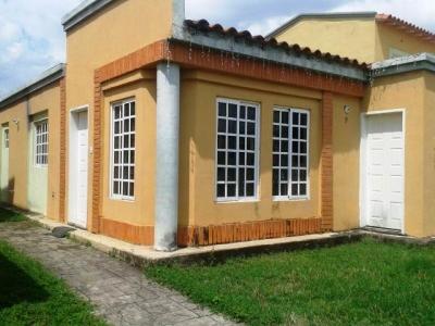 ABITARE Vende Casa Quinta en la Urbanización Araguama Country de Maracay WILLIAM ALVAREZ