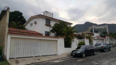 Venta de Casa en la Urbanización El Castaño. Maracay. Edo. Aragua