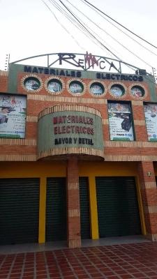 Edificio Comercial en Santa Rosa, Maracay