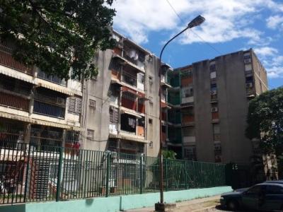 Apartamento en Venta Parque Aragua 4hab PB