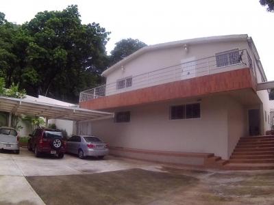 Hermosa Quinta en venta en El Castaño 17-9041
