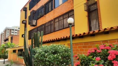 Apartamento en Guaicamacuto Cod 17-13462