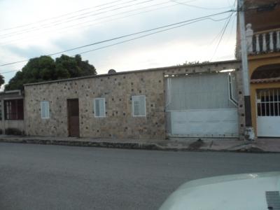 Venta de casa en Maracay Jose Gregorio Hernandez