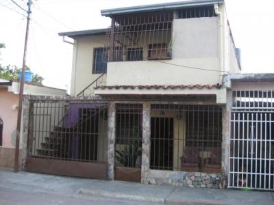 Venta de Oportunidad casa de200mts2  en Maracay