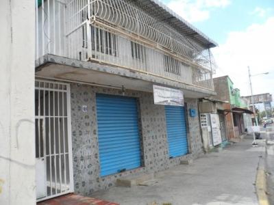 Venta de casa en Maracay Av. Fuerzas Aereas