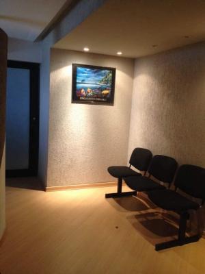 Oficina Amoblada con 41 m2