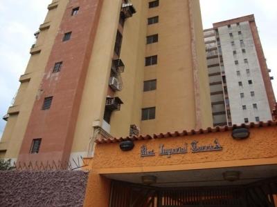 Apartamento en Venta en Urbanizacion El Centro en Maracay - Código: 18-2182
