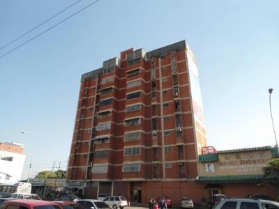 Apartamento en Venta Avenida Bolivar Maracay