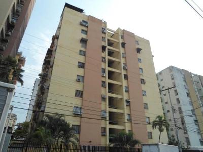 Apartamento en Venta en Urbanización El Centro en Maracay - Código: 18-5045