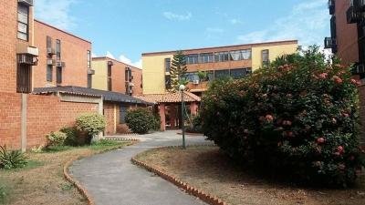 Apartamento en Venta Avenida Fuerzas Aereas Maracay