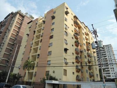 Apartamento en Venta en Urbanizacion El Centro en Maracay - Código: 18-5046