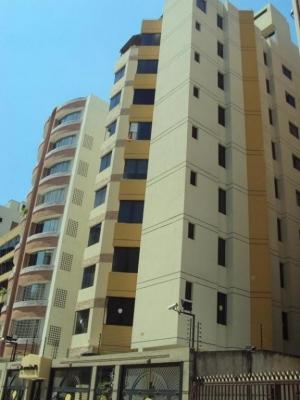 Apartamento en venta en Urb. San Isidro, Maracay Cod.16-4180
