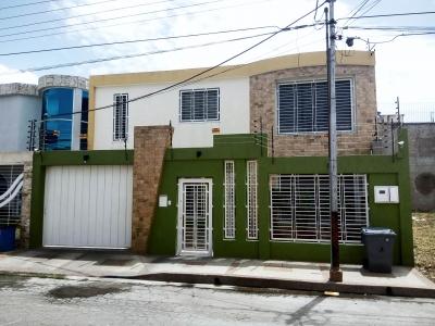 Exclusiva casa en venta amoblada en Maracay