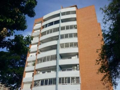 Apartamento en venta Los Caobos, Maracay cod. 18-8567