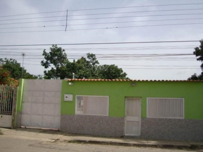 Santa Rita amplica casa para para invertir zona estrategica