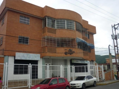Apartamento en venta en Maracay,  El Limón Cod. 18-4757