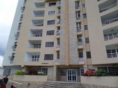Apartamento en venta en Maracay, Urb. Los Chaguaramos, Cod. 19-1010