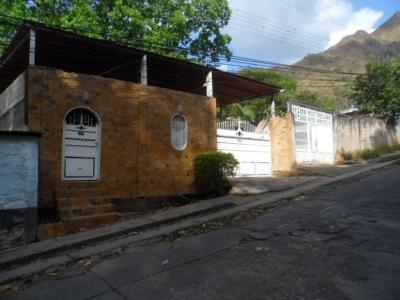 Venta de casa en Maracay El castaño cod: 18-9