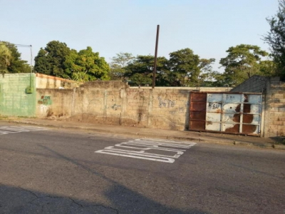 Terreno en Venta en Maracay, Urb. Andrés Bello Cod. 17-7952