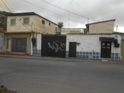 Terreno en Venta en Maracay, Zona Centro Cod. 18-10626