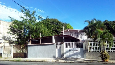 Vendo Amplia Quinta Residencias El Centro