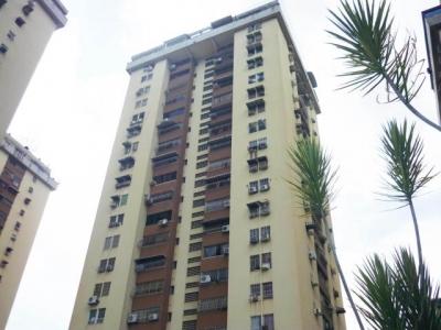 Apartamento en Venta Urb El Centro Res Cardenal