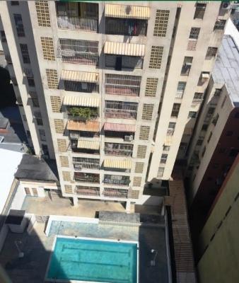 WILLIAM ALVAREZ Vende Apartamento en Residencias La Ceiba, Centro de Maracay