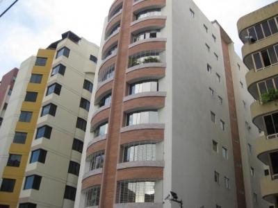 Apartamento en venta en San Isidro, Cod. 18-13231