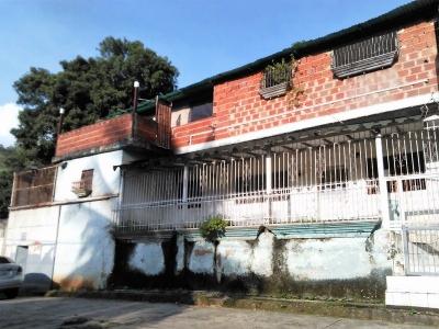Venta casa en el sector 19 de mayo vía el Castaño de Maracay