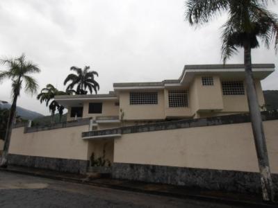 Casa en venta urbanizacion El Castaño, Maracay, Venezuela.