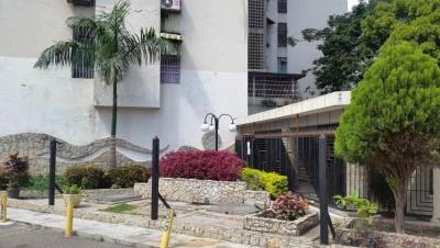 Venta de Oportunidad  Apartamento   83mts2 en Maracay