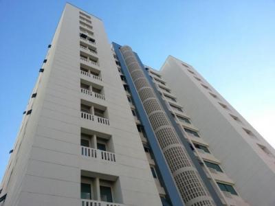 Apartamento en venta en Maracay, Centro de la ciudad Cod. 18-4952