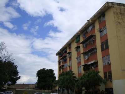 Av Fuerzas Aereas, San Carlos Edificio 3-02