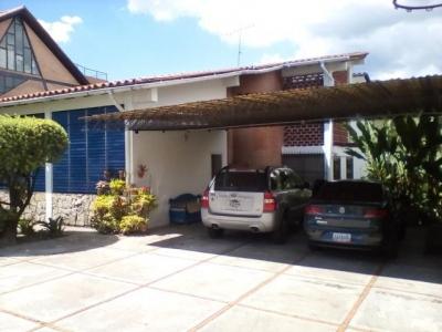 Casa en venta en Urbanización El Castaño (Privado), Maracay, Venezuela.