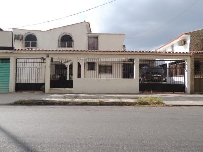 Venta de Casa-Quinta en Urb. El Centro