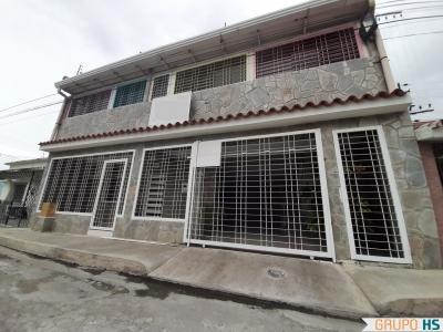 Hermosa Casa en La Maracaya