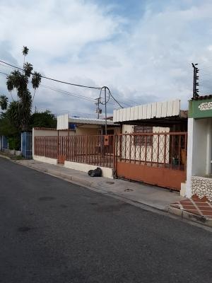 Vendo Casa en La Fundacion Mendoza Maracay