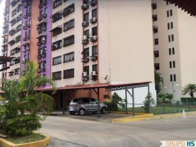 Apartamento en Base Aragua semi-amoblado.