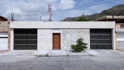En venta casa quinta en la Urbanización La Floresta de Maracay