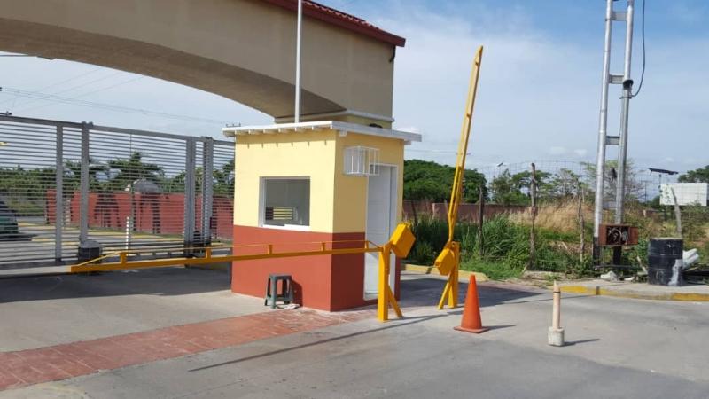 Apartamento en la Urbanizacion Parque Los Samanes. Sector Coropo II - Santa Rita. Edo. Aragua