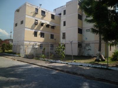 Apartamento en alquiler urbanización las acacias.