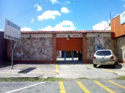 EXCELENTE INVERSION DE LOCAL COMERCIAL EN ZONA CENTRICA DE BARINAS