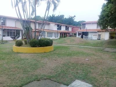 Alto Barinas Norte, Town House Conjunto Los Mijaos