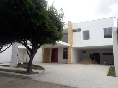 VENTA DE BELLO TOWNHOUSE UBICADO EN LA MEJOR ZONA DE BARINAS