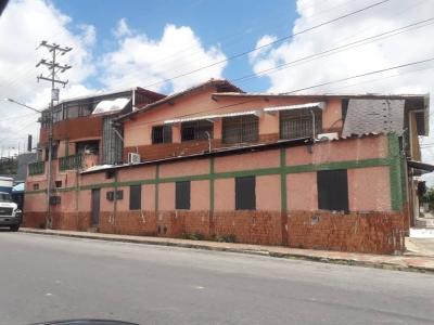 VENTA EDIFICIO EXCELENTE PUNTO COMERCIAL UBICADO EN ESQUINA AVENIDA CARABOBO